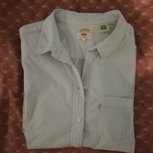White shirt from Levi's